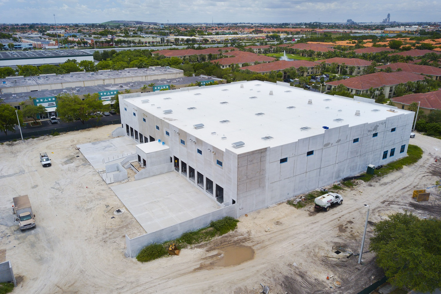 8220 Commerce Way – Tommy Gil_11