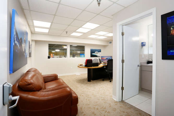 6900 NW 77th Ct Miami Lakes FL-small-015-5-NW 77th Ct Tommy Gil 07-666×444-72dpi